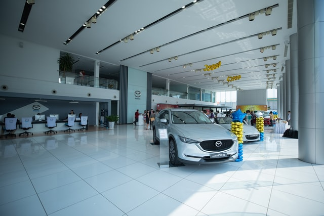 Should You Buy or Lease Your New Car?